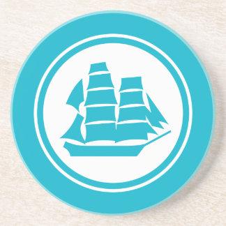 青緑の海賊船のブリッグの航海のなコースター コースター