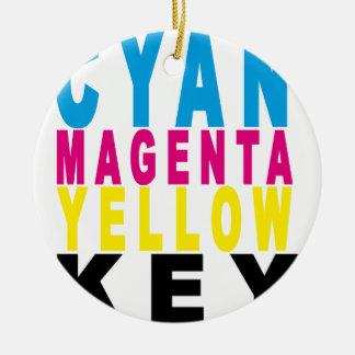 青緑色のマゼンタの黄色の鍵のTシャツ.png 陶器製丸型オーナメント