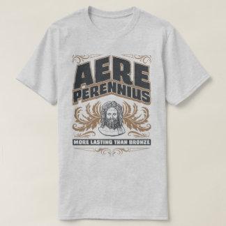 青銅色のラテン系のティーより不変のAere Perennius Tシャツ