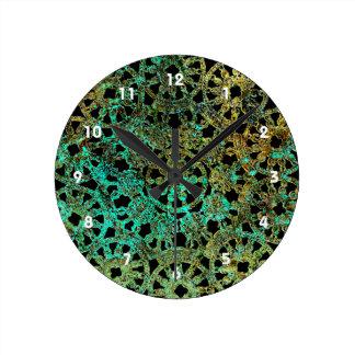 青銅色のレースのイメージの抽象芸術パターン緑金ゴールド ラウンド壁時計