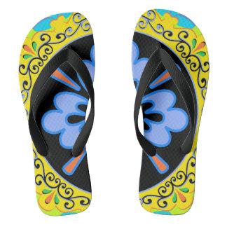 青、ターコイズの、黄色およびブラックプレートパターン ビーチサンダル