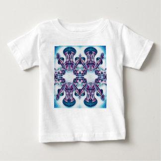 青/紫色を絵を描くモスクワ ベビーTシャツ