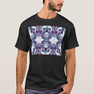 青/紫色を絵を描くモスクワ Tシャツ