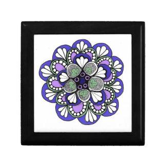 青、緑の紫色の曼荼羅が付いている木の宝石箱 ギフトボックス