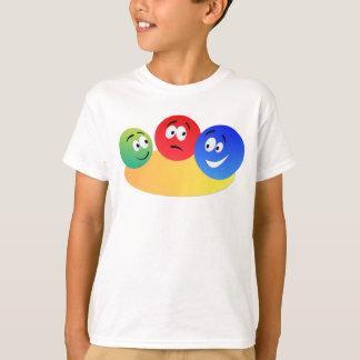青、赤いおよび緑のおもしろいのカラフルなスマイリー Tシャツ