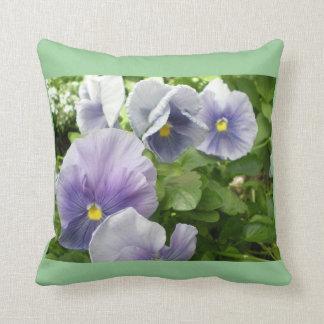 静かな会話Violets~pillow クッション