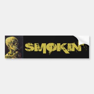 非常に熱いタバコが付いているスカル バンパーステッカー