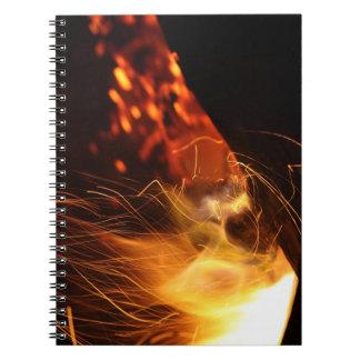 非常に熱い石炭の火 ノートブック