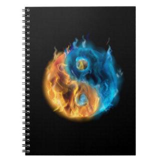 非常に熱い陰陽のノート ノートブック
