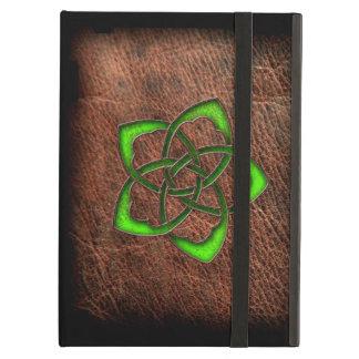革の緑によってエナメルを塗られるケルト族の花 iPad AIRケース