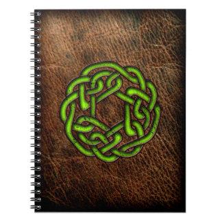 革の緑のケルト結び目模様 ノートブック