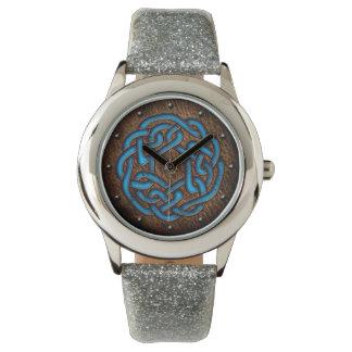 革デジタル芸術のケルト結び目模様の明るい青 腕時計