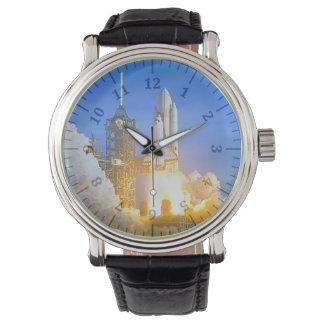 革バンドのコロンビアの黒い腕時計 腕時計
