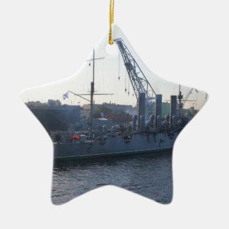 革命的な軍艦のオーロラ セラミックオーナメント
