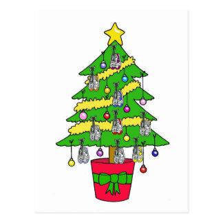 靴によって飾られるランナーのためのクリスマスツリー ポストカード