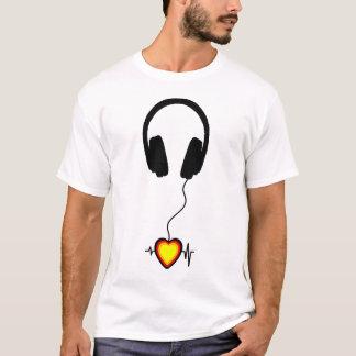 音楽は愛を打ちます Tシャツ