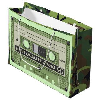 音楽カセットテープ(カムフラージュ)大きいギフトバッグ ラージペーパーバッグ