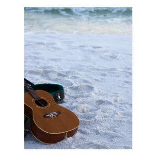 音楽ギター愛海の孤独なビーチ ポストカード