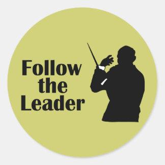 音楽ディレクターはリーダーを後を追います ラウンドシール