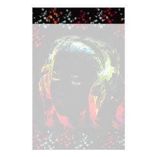 音楽ヘッドホーンのネオンを聞いている女の子はギフトを着色します 便箋