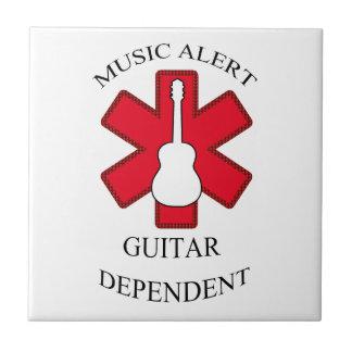 音楽注意深いアコースティックギター タイル