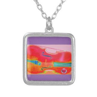 音楽的な寿命の赤いチェロのペンダントのネックレス シルバープレートネックレス