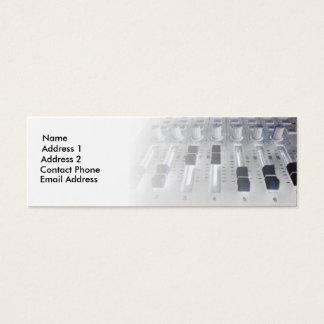 音響技師を記録するミキサーのスタジオ スキニー名刺