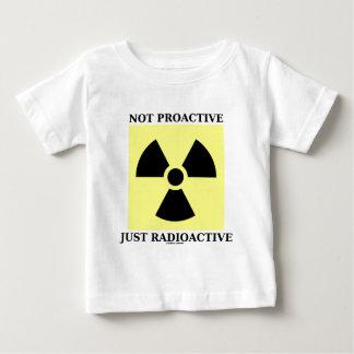 順向のちょうど放射性(核印) ベビーTシャツ