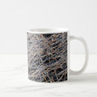 顕微鏡の下のティーバッグ コーヒーマグカップ
