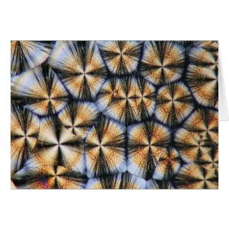 顕微鏡の下のビタミンCの水晶 カード