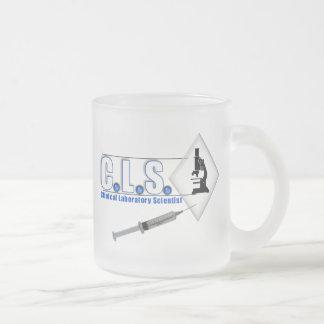 顕微鏡-実験室の科学者とのCLSの青いロゴ フロストグラスマグカップ