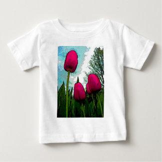 顕著なチューリップの乳児のTシャツ ベビーTシャツ