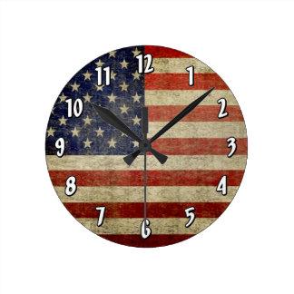 風化させた、動揺してな米国旗 ラウンド壁時計