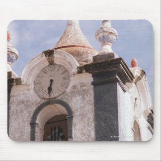 風化させた、旧式の時計台、ポルトガル マウスパッド