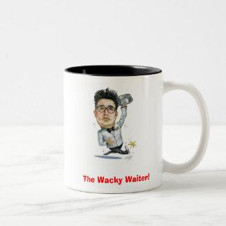 風変りなウェイター! … 風刺漫画のジョーのマグ! ツートーンマグカップ