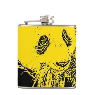風変りな芸術-黄色い(c)パンダ フラスク