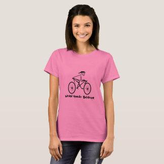 風変わりな人間行動の自転車の女性の基本的なTシャツ Tシャツ