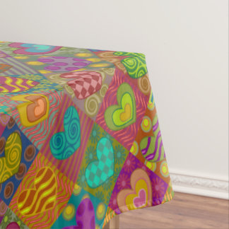 風変わりな飾られたハート テーブルクロス