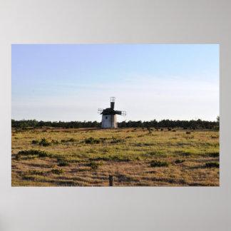 風車のゴトランドの古い島スウェーデン ポスター