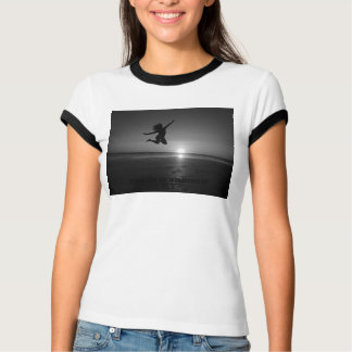 飛ぶことを意味しました Tシャツ