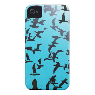 飛ぶ鳥のシルエット Case-Mate iPhone 4 ケース