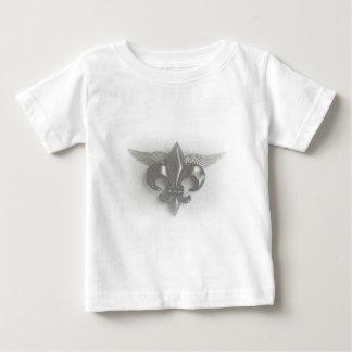 飛んだ(紋章の)フラ・ダ・リのスケッチ ベビーTシャツ