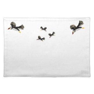 飛んでいるなツノメドリの芸術 ランチョンマット