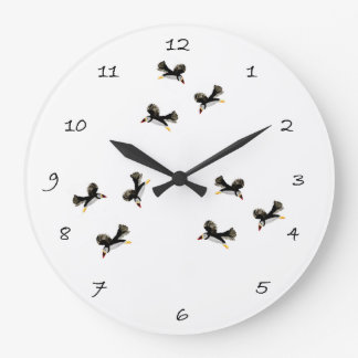 飛んでいるなツノメドリの鳥の芸術 ラージ壁時計