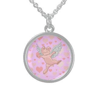 飛んでいるなブタおよびピンクのハートのネックレス スターリングシルバーネックレス