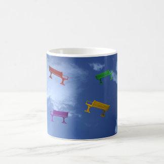 飛んでいるなベンチ コーヒーマグカップ