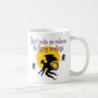 飛んでいるな猿のクラシックのマグ コーヒーマグカップ