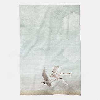 飛んでいるな白鳥 キッチンタオル