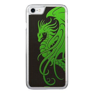 飛んでいるな種族のドラゴン-黒の緑 CARVED iPhone 8/7 ケース