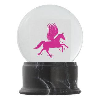 飛んでいるな馬、シルエットのペガソス、 スノーグローブ